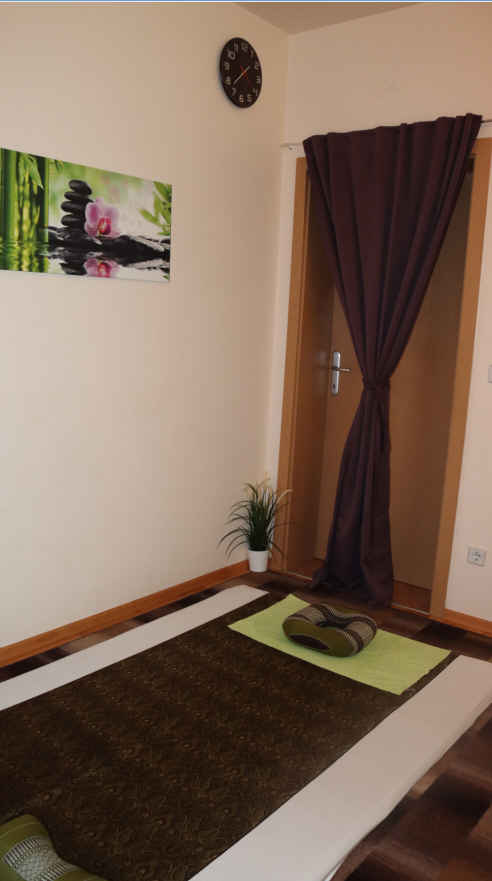 http://www.thai-massage-silberwald.at/media/Innen%204.jpg